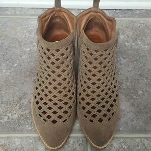 Jeffrey Campbell Taggart ankle booties